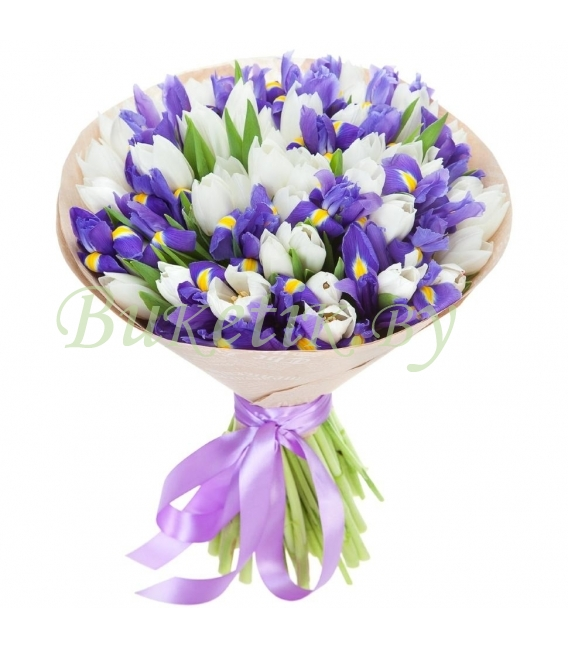 Букет из ирисов и белых тюльпанов
