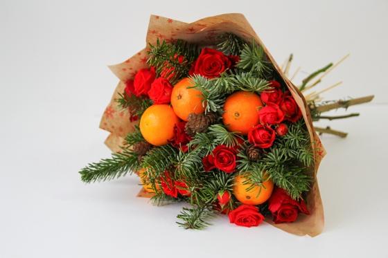 Новогодний букет с мандаринами
