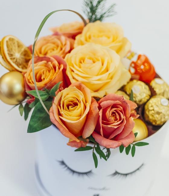 Композиция с розами и Ferrero
